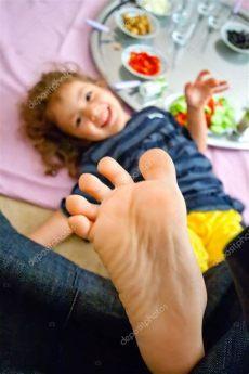 foosites kids footsie stock photo 169 kuzeytac 16204765