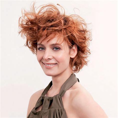 chic sporty short haircut joyful curls layers