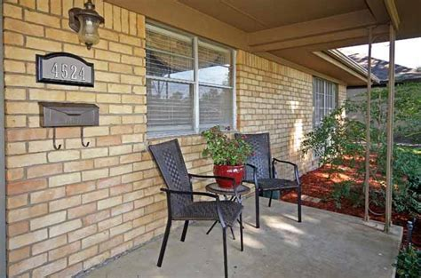 23 covered porch closeup midtown tulsa real estate