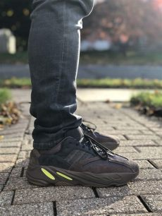 buy yeezy 700 mauve uk yeezy 700 mauve sneakers