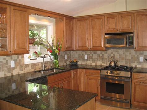 light maple kitchen cabinets granite countertops oak kitchen