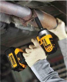 dcf883m2 specs dewalt dcf883m2 20v max lithium ion 3 8 quot impact wrench kit