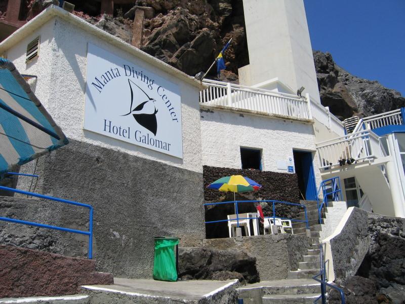 Madeira Canico de Baixo, Manta Diving