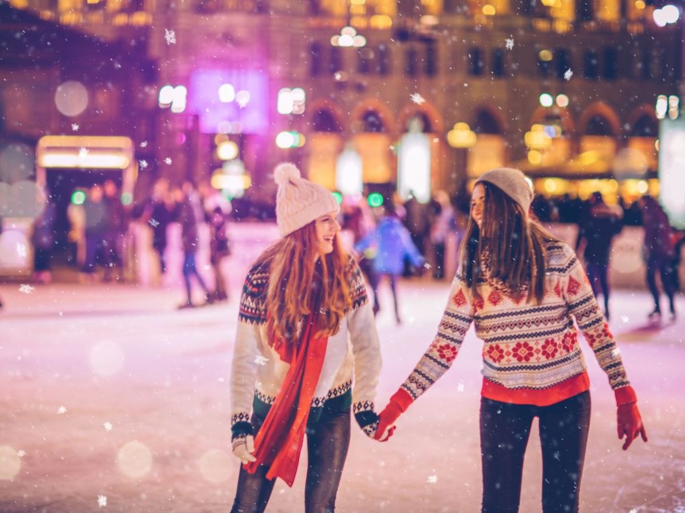 Going-ice-skating-is-an-indispensable-part-of-Christmas-outdoor-activities-