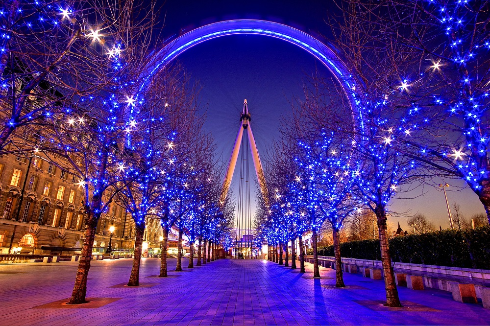 LondonEye-is-a-must-have-destination-for-Christmas-celebrations-in-England-2