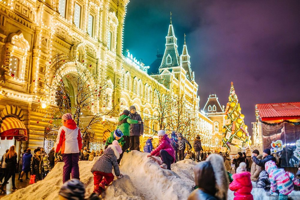 Looking-for-amazing-Christmas-outdoor-activities-why-not-join-Christmas-festivals-