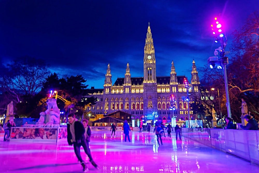 Looking-for-fun-Christmas-outdoor-activities-why-not-going-ice-skating-with-your-family