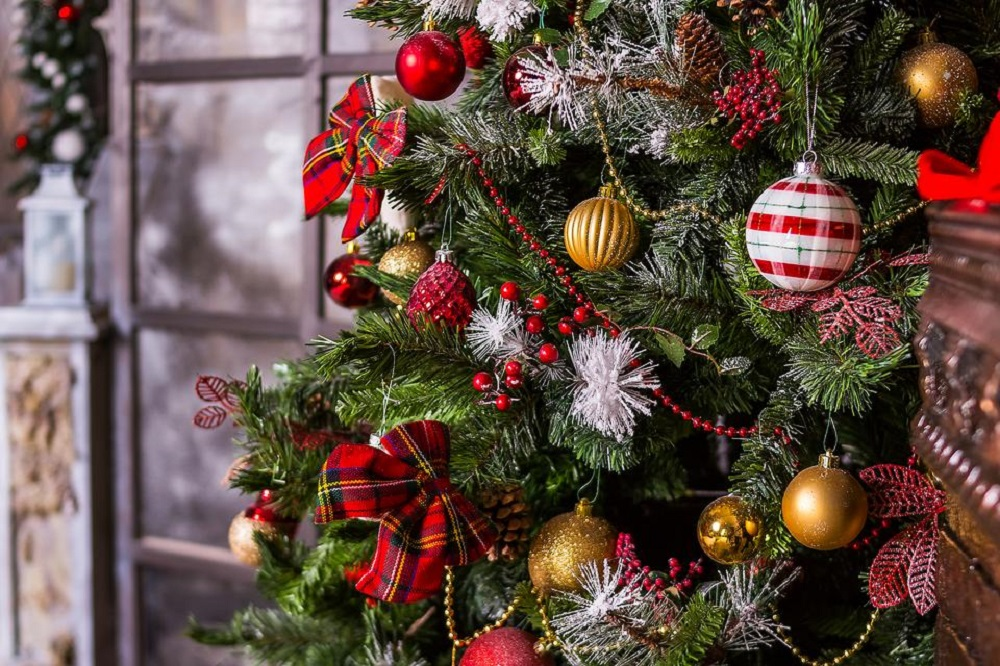 Ornaments must have in traditions on Christmas