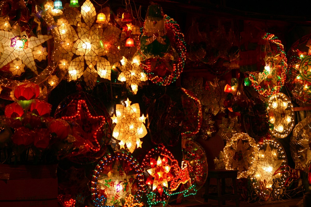 Parol-A-symbol-of-Christmas-Celebrations-in-the-Phillipines