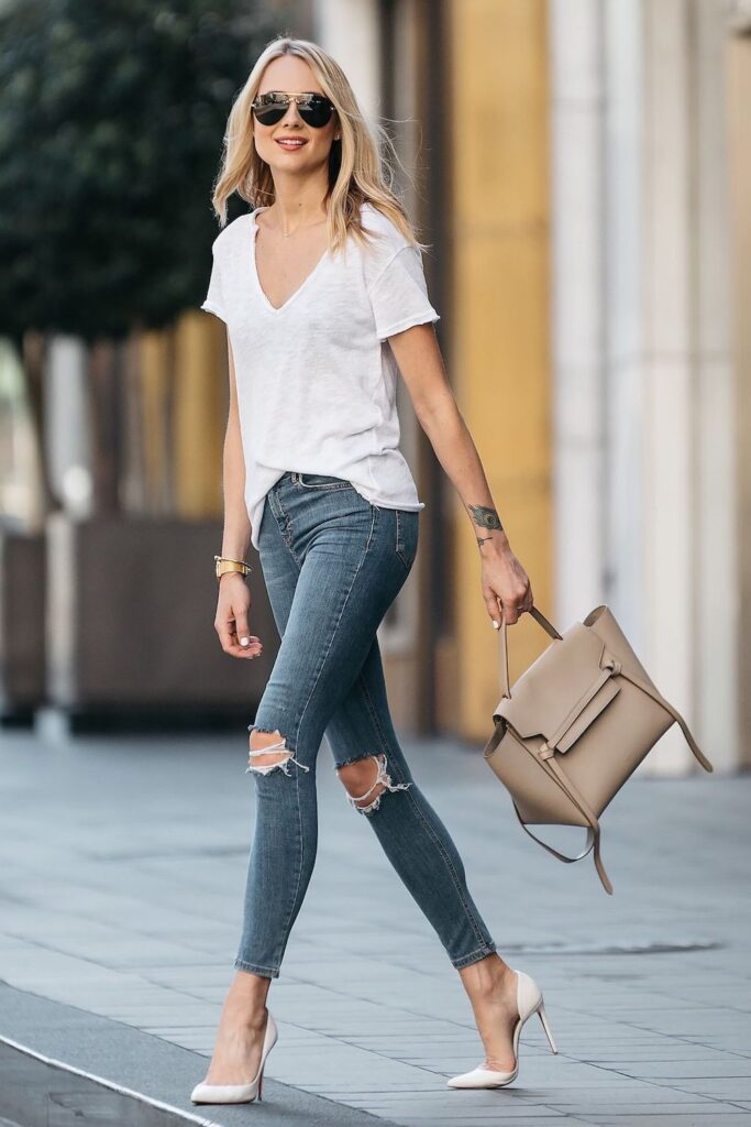 How-to-dress-a-t-shirt-and-jeans