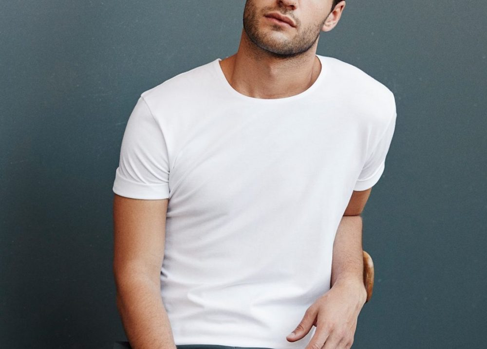 How-should-a-t-shirt-fit-pay-attention-to-sleeve