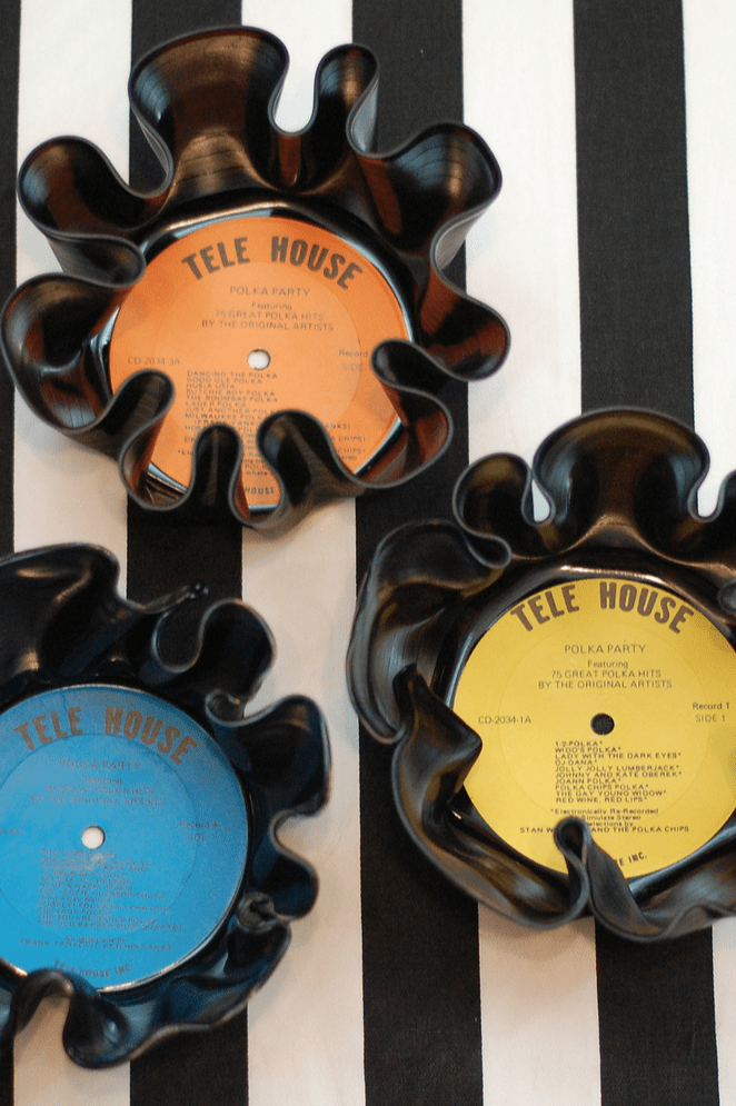Vinyl-Record-Bowls-how-to-do-a-Fathers-Day-gift