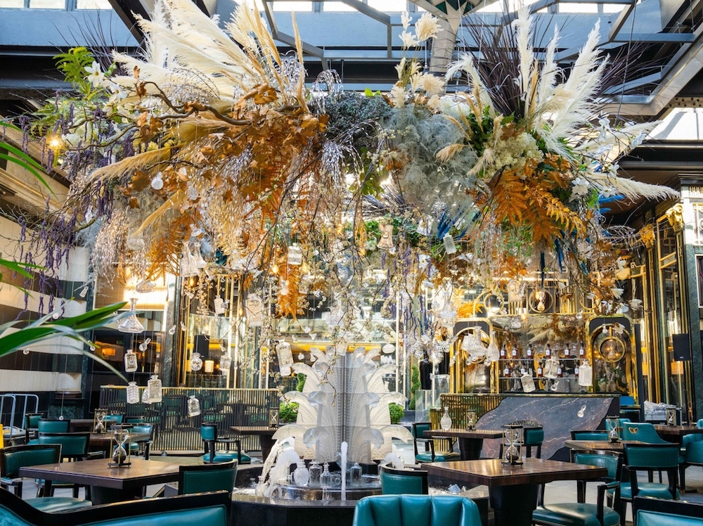 Alfresco Dinner At Solas At The Savory- cool gift for dad who has everything UK