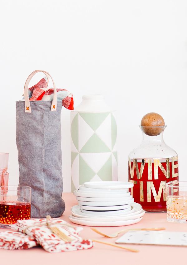 DIY Canvas Wine Bag- great gift ideas for dad diy.
