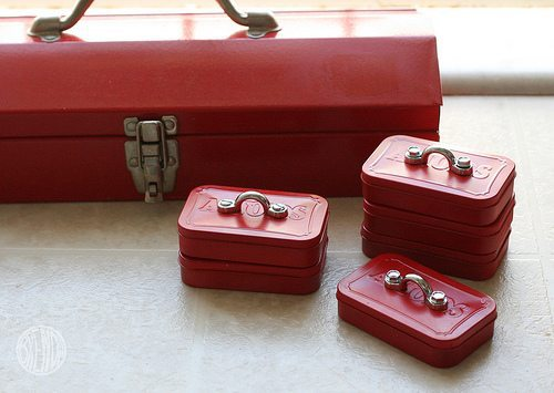 Tiny Toolbox- gift ideas for dad diy