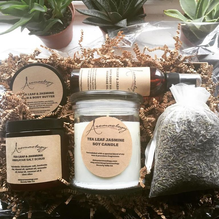 Spa Gift Basket best gift for Parents Day