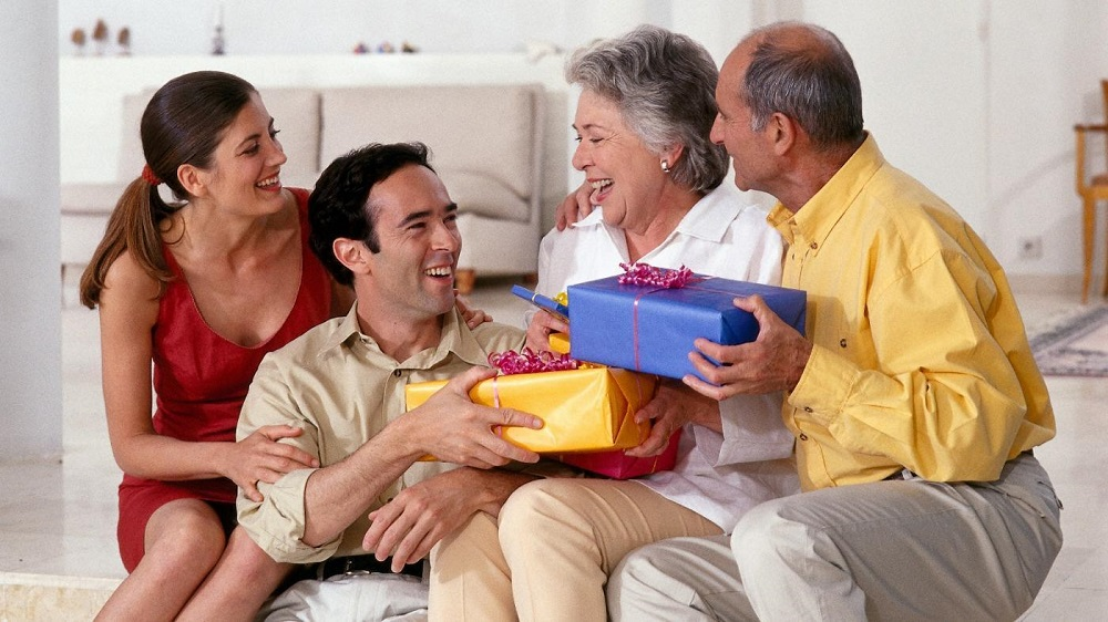 giving gifts for parents on Parents' Day