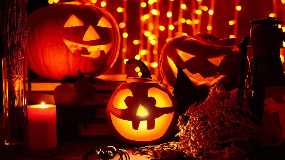 Best Halloween gift ideas for teachers 2021