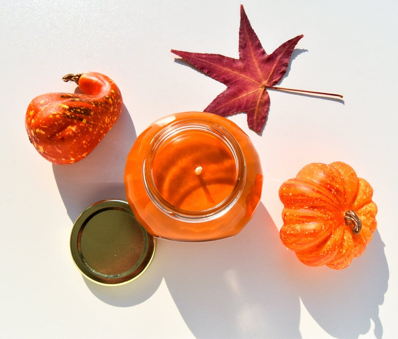 Pumpkin candle- best Halloween gift for grandma.