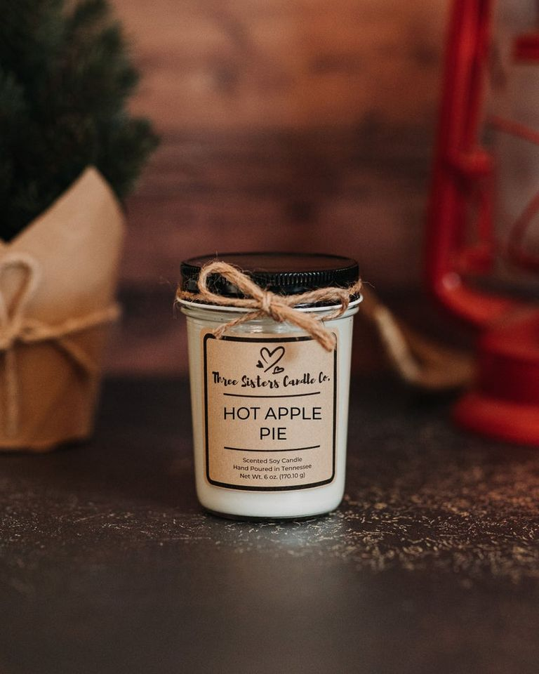 Apple Pie Scented Candle - Small Thanksgiving Gift Ideas
