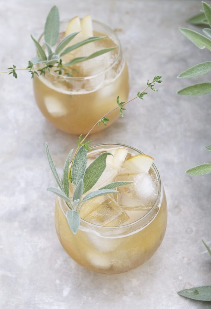 Bourbon and Spiced Pear Cocktai- classic Thanksgiving drinks