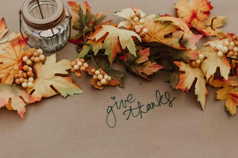 cheap Thanksgiving decorating