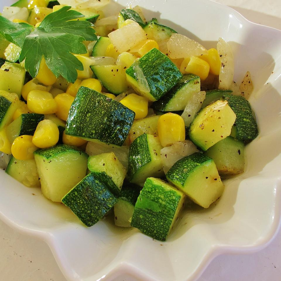Fresh Corn and Zucchini Saute- great corn dishes for Thanksgiving