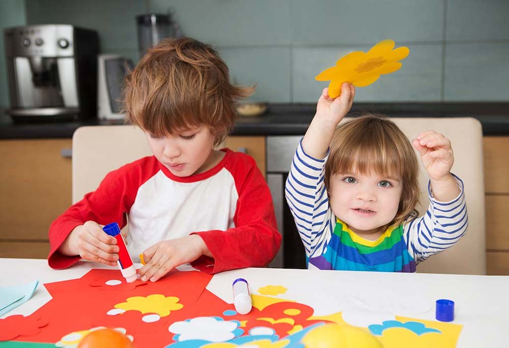 Great Thanksgiving crafts for young children