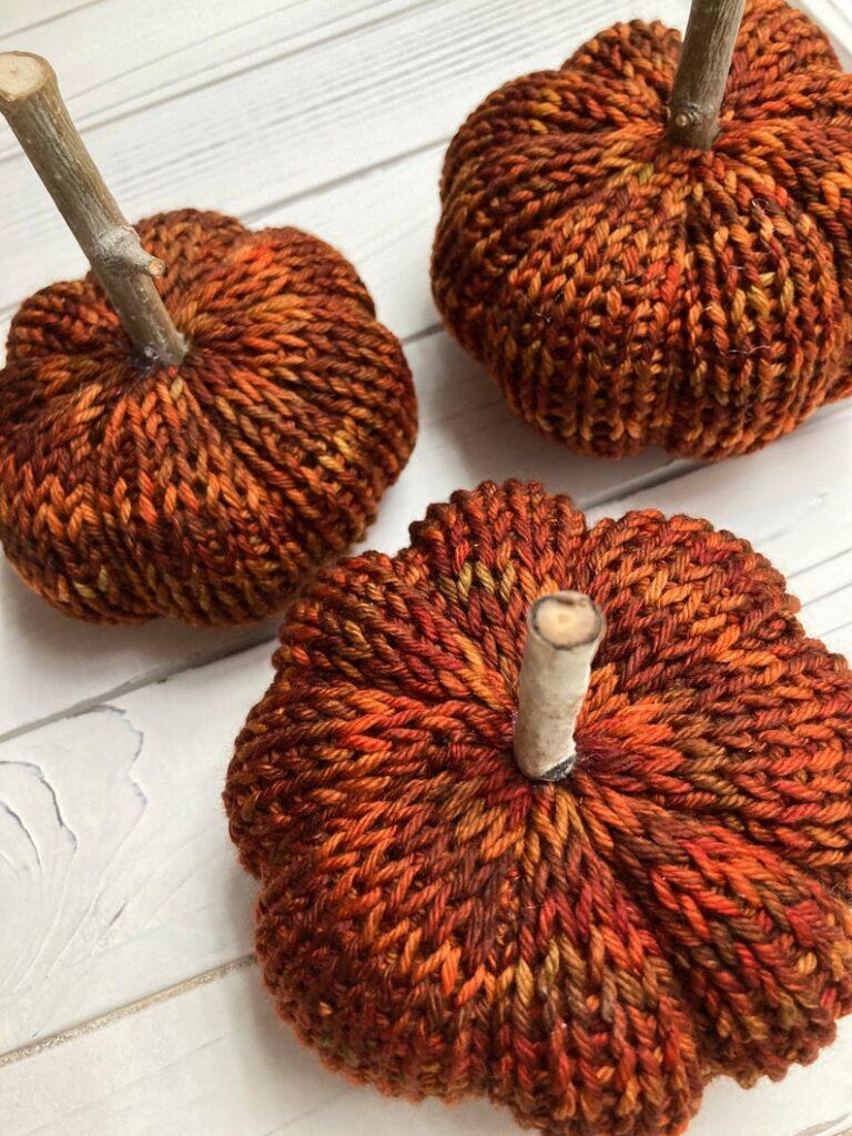 Knit Pumpkins - Best Thanksgiving gift idea
