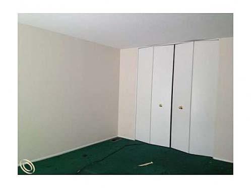 Bad Carpet_Zillow.jpg