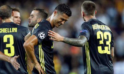 Juventus Defeat Valencia Despite Ronaldo Sending Off