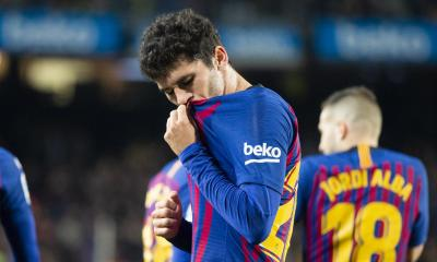 Barcelona Ease Past Villarreal To Go Top