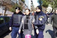 Τρία (3) ΒΙΝΤΕΟ Από τις συλλήψεις Γερμανών έξω από τη …Γερμανική πρεσβεία, που διαδήλωναν κατά του σιωνιστικού καθεστώτος Μέρκελ.