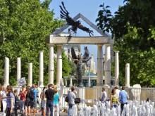 Οι Εβραίοι της Ουγγαρίας κατά του μνημείο που στήθηκε προς τιμήν των (μη Εβραίων) θυμάτων της ναζιστικής κατοχής!