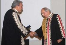 """Ενώ τα στοιχεία για τη DePuy περιφέρονται αρμοδίως, ο Π. Σουκάκος αναγορεύτηκε """"επίτιμος"""" στο Πανεπιστήμιο Ιωαννίνων."""