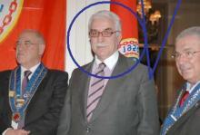 Ο Θανάσης Γιαννόπουλος, λες και προέρχεται από πολιτική παρθενορραφή, ρωτά να μάθει από τους πράσινους εν κυβερνήσει αδελφούς του, για τη Πιστοποίηση, για τη κοστολόγηση  και την υπερχρέωση διαγνωστικών εργαστηριακών εξετάσεων των πανεπιστημιακών γιατρών.