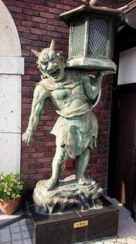 migi 黒田(岡田)官兵衛をめぐる旅~兵庫編4 サタンの椅子~