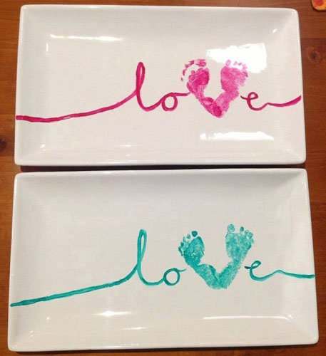 love-plate-with-foot-prints