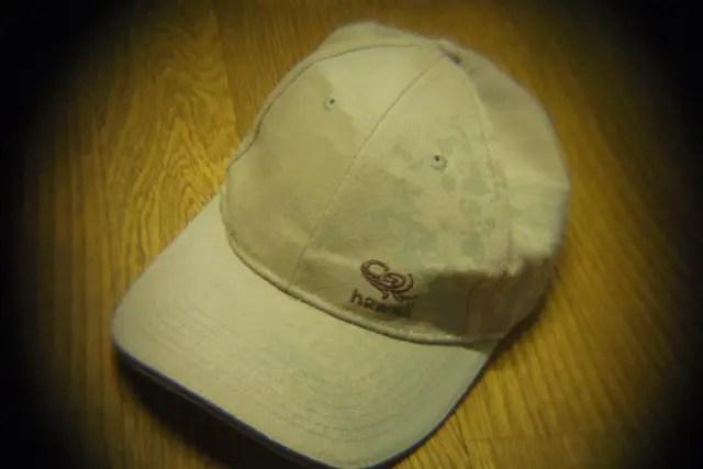 ピンホールレンズHOLGAトイレンズをPENTAX Qマウント撮影サンプルハワイの帽子