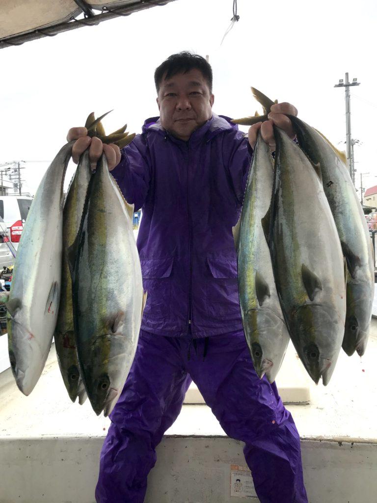 11月2日(月)の釣果(メジロ・ハマチ)