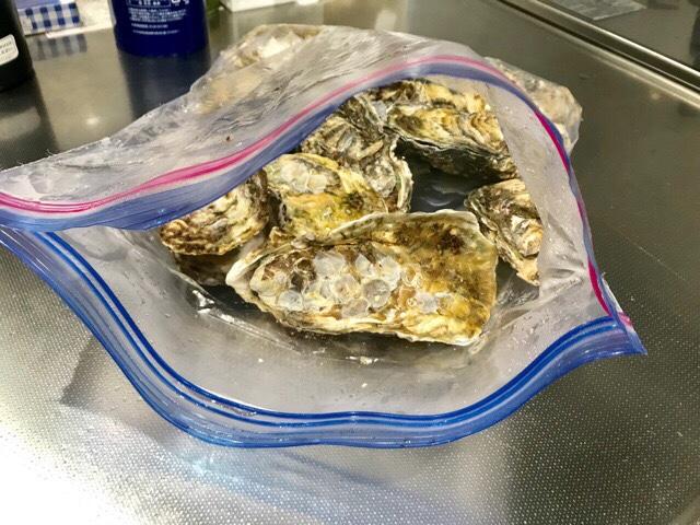 ジップロックに入れたまま加熱した牡蠣