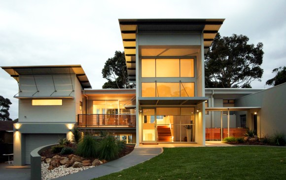 Buckley Coast House - two curved roof pavilions