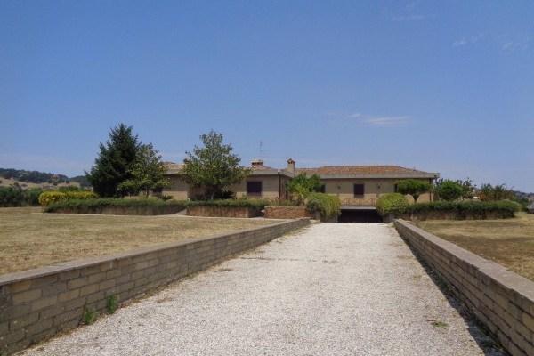 Villa unifamiliare ampio terreno