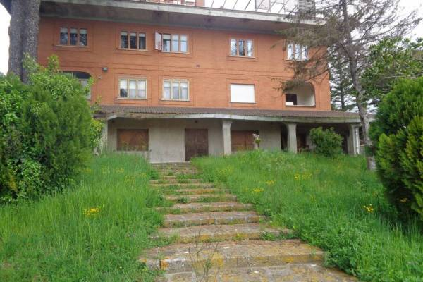 Appartamento ampio giardino