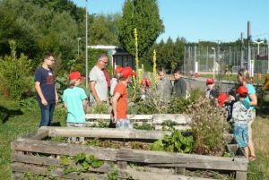 """Gemeinsame Gartenaktion im urbanen Garten """"Essbares Rieselfeld"""" @ Freiburg, Stadteilpark im Rieselfeld"""