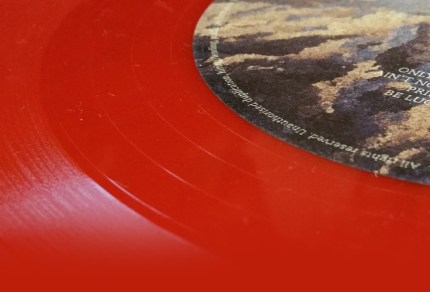 """From """"Monkey on a leash"""" to """"The Red Vinyl"""", the story of the red vinyl edition of The Temperance Movement album"""