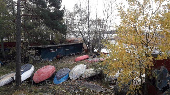 Soutuveneet valmistautuvat takveen.