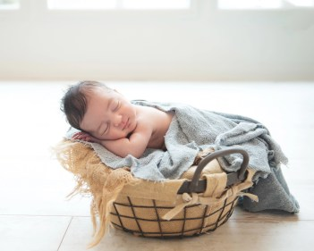 Avon Lake Newborn Photography