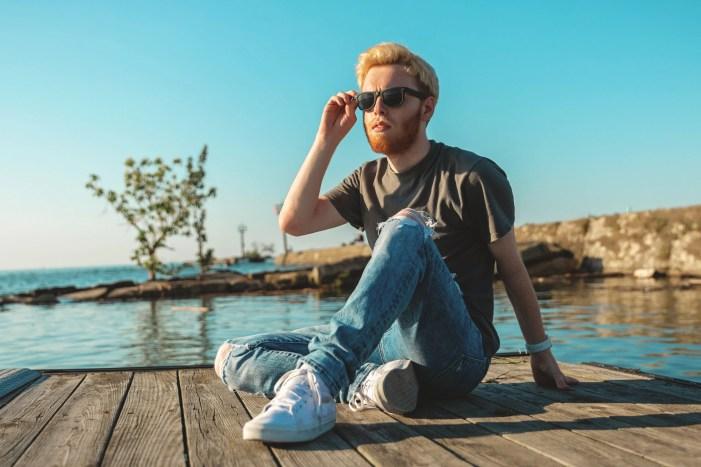 senior picture at edgewater park