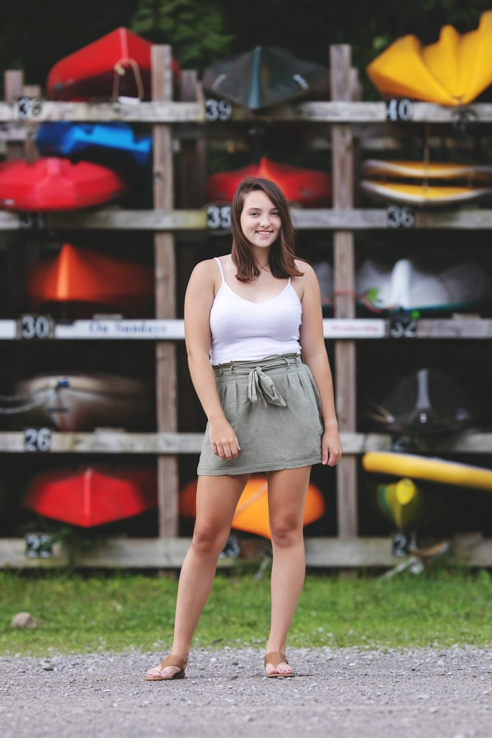senior photography with kayaks